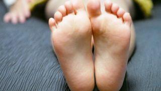 足の裏が痛いときの解消方法 おすすめ5つ