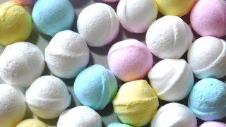 【ラムネ菓子】原料・成分・歴史・名前由来とは ラムネ飲料との関係は?